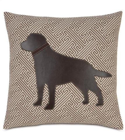 CHOCOLATE LAB IN MAZE BROWN