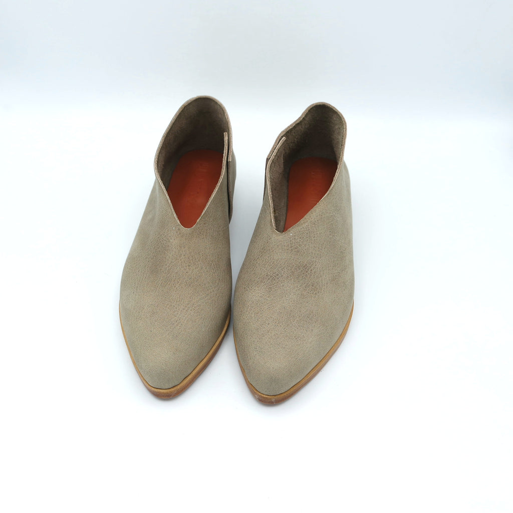 The Audrey.  Oregon Taupe.