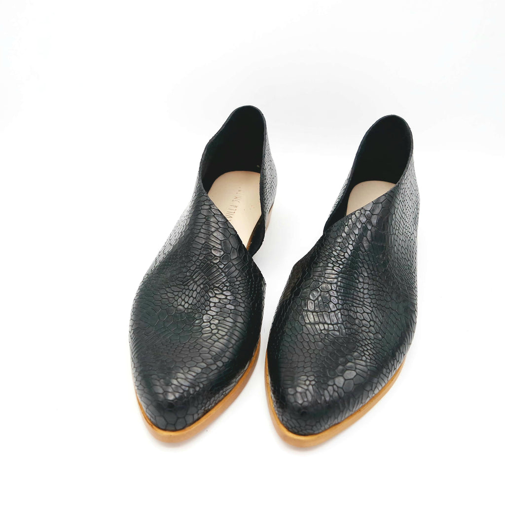 READY MADE: SIZE 40. The Sandy. Black Salamander.