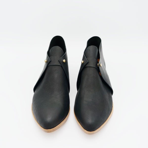 The Meghan. Black. 2cm