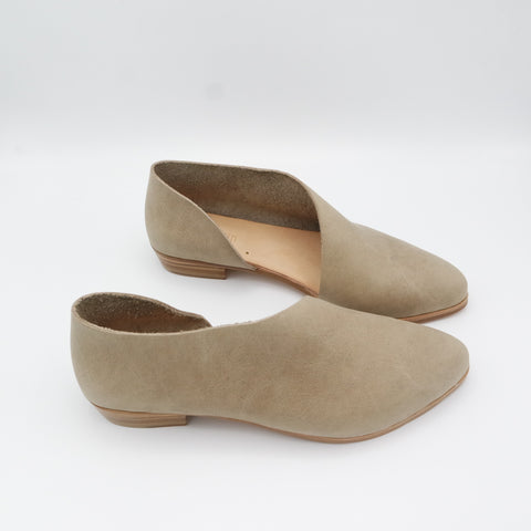 READY MADE: SIZE 37. The Sandy. Oregon Taupe.