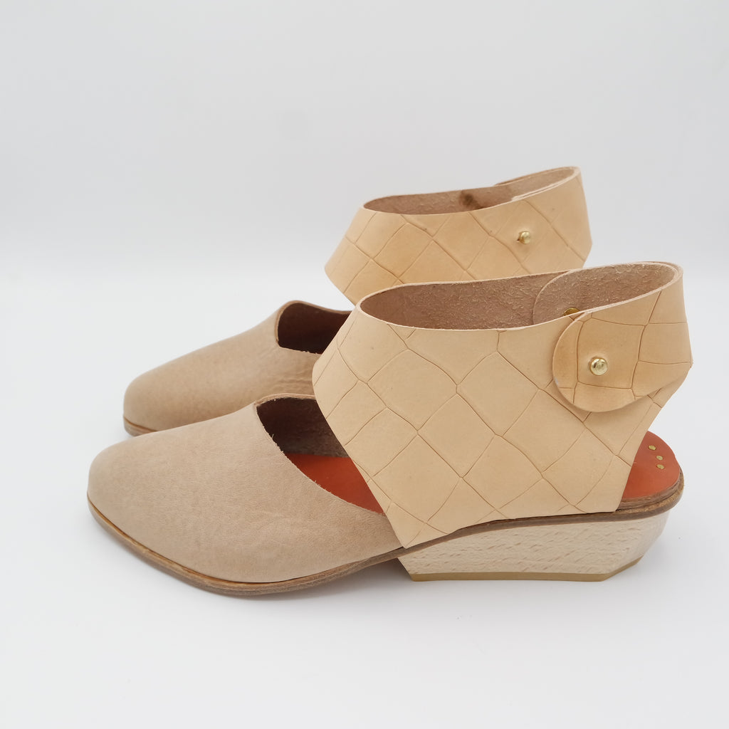 The Chiara. Oregon Salmon and Undyed Croc Embossed. 4cm Wedge