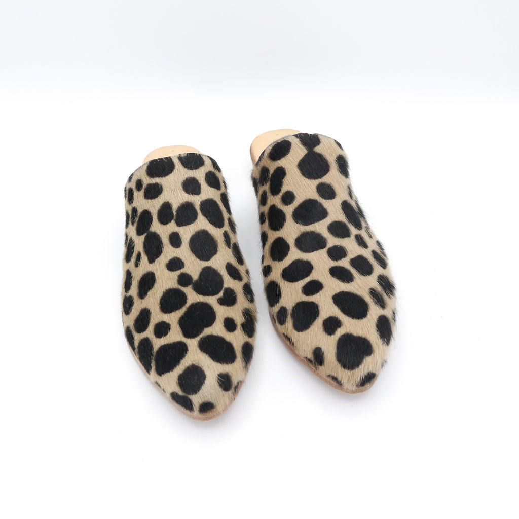 READY MADE: SIZE 38. The Liz. Spotted Hair On. 3cm.