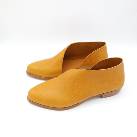 READY MADE: SIZE 38. The Sandy. Volonato Ocre.