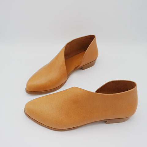 READY MADE: SIZE 40. The Sandy. Volonato Camello.