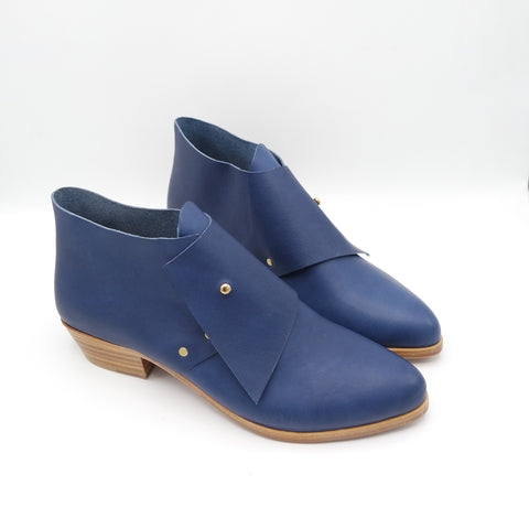 PREORDER:  The Laura. Troncato Navy. 3cm