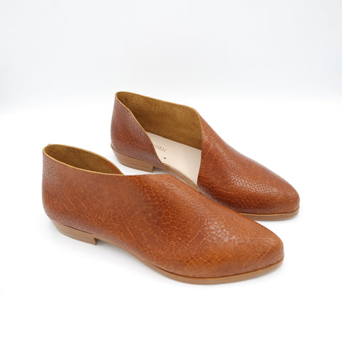 READY MADE: SIZE 37. The Sandy. Amber Salamander.