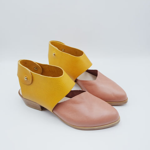 The Chiara. Figaro Rose Gloveskin and Volonato Ocre. 3cm