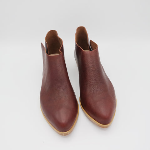 READY MADE: SIZE 37 WIDE. The Terilyn. Elbamatt Burgundy Gloveskin. 2cm.