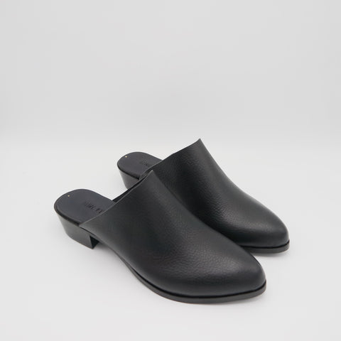 READY MADE: SIZE 35. The Liz. Limited Edition Venere Nero with Black Sole. 3cm