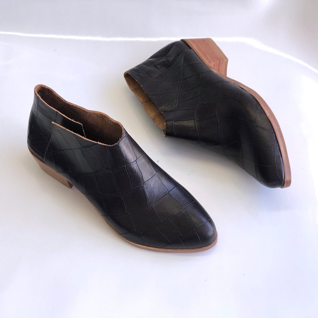 READY MADE: SIZE 36. The Terilyn. Black Croc Embossed. 3cm.