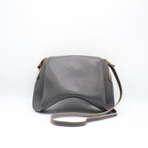 The Isa Bag. Large. Pancho Black /Grey. Zipper/Strap.