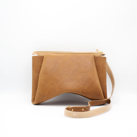 The Isa Bag. Pebbled Cappuccino /Buff. Zipper/Strap.