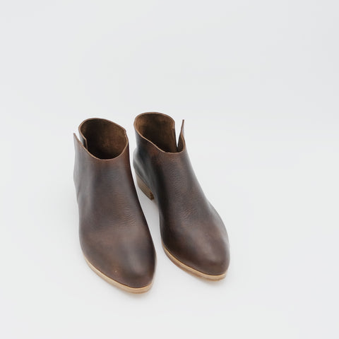 READY MADE: SIZE 36 WIDE. The Terilyn. Raider Dark Brown. 3cm