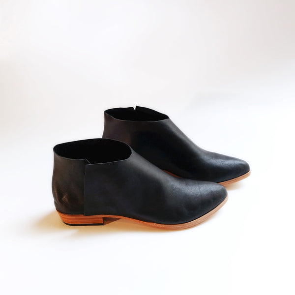 The Terilyn. Black. 2cm