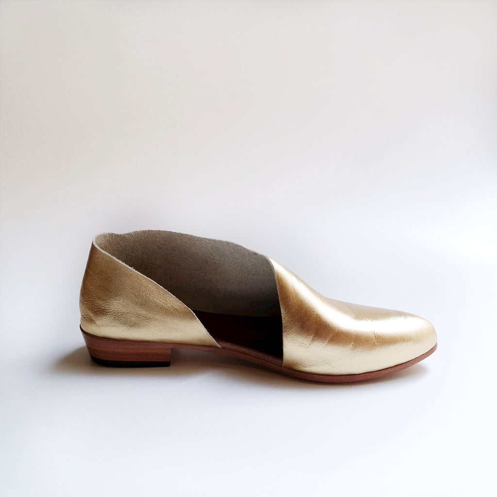 READY MADE: SIZE 42. The Sandy. Classic Gold