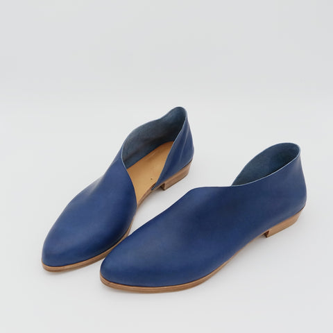 READY MADE: SIZE 39 WIDE. The Sandy. Marine.