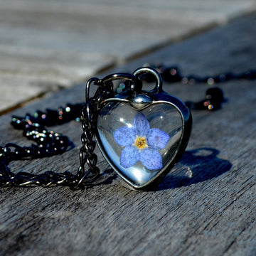 Tiny_Blue_Flower_Heart_Necklace