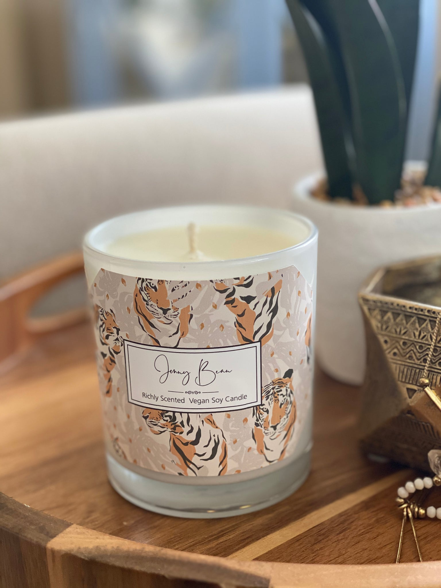 Pink Pepper & Vetiver Tiger Soy Candle