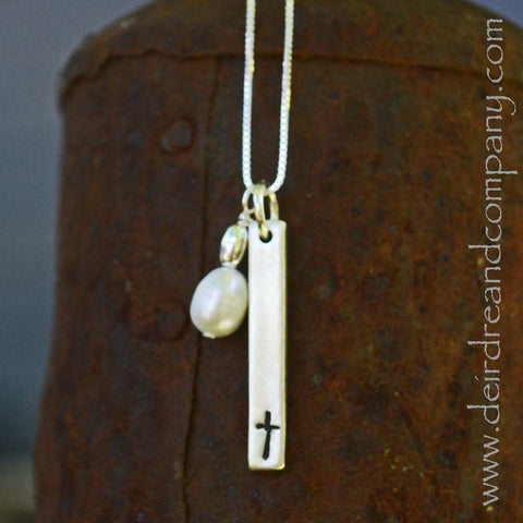 Cross and Pearl Necklace in Sterling Silver