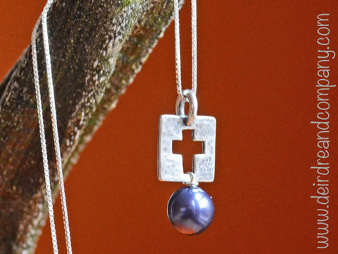 Be Amazed Sterling Cross Necklace with Pearl