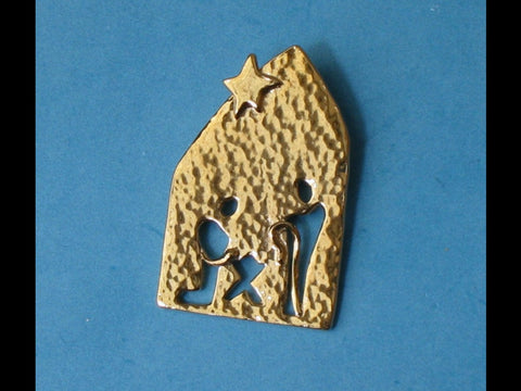 Nativity Pin in Gold Vermeil