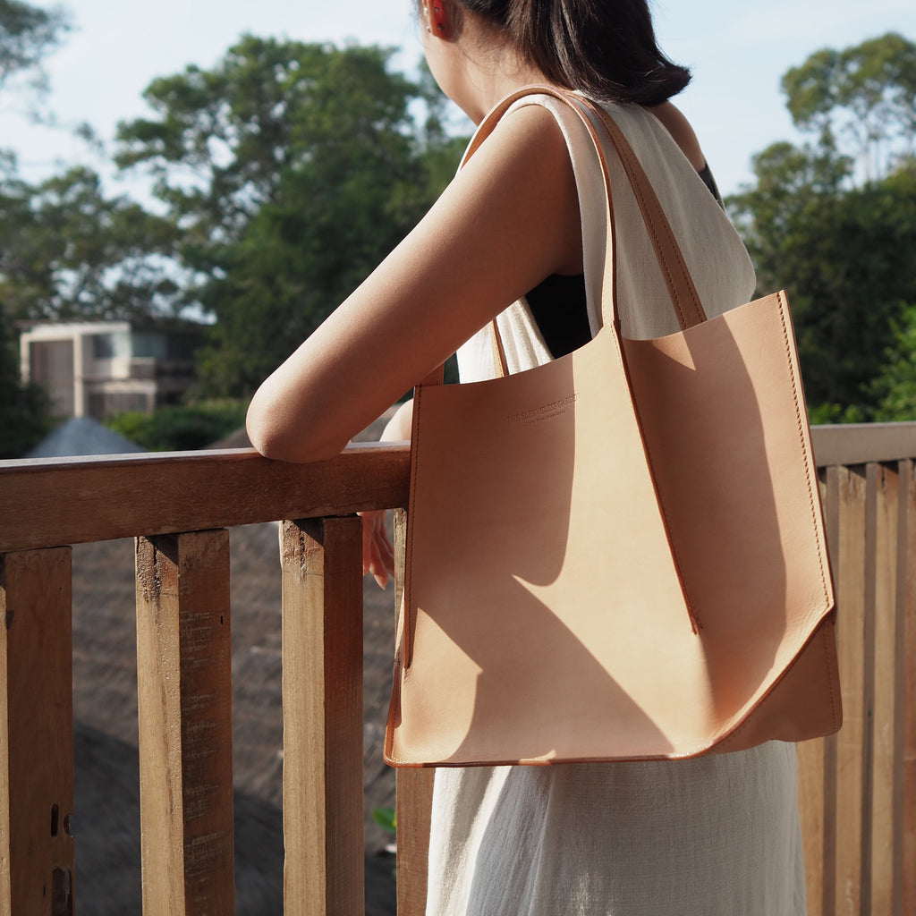 canaly-sleeveless-garden-tote-leather-bag