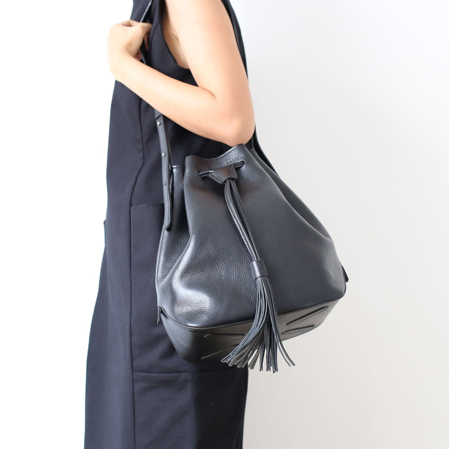 bucket-leather-bag-sleeveless-garden
