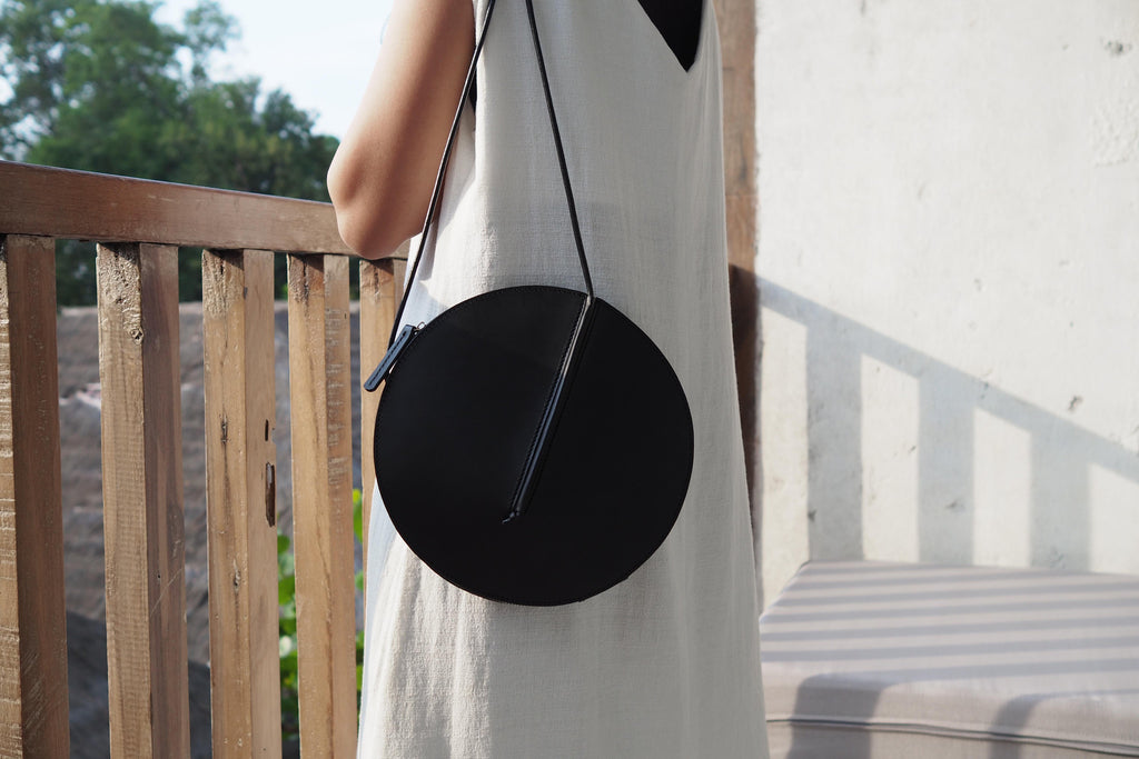 radius-sleeveless-garden-leather-bag