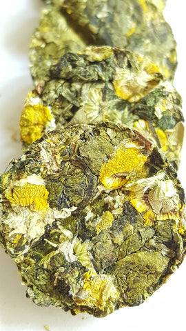 Natural Chamomile Oolong Tea Whole Loose Leaf Tea In Tea Bricks