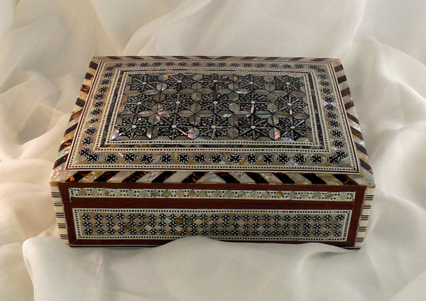 Majestic Nights II | Handmade Egyptian Mother of Pearl Jewelry Box
