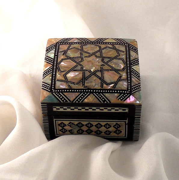 Arabian Nights II | Handmade Egyptian Mother of Pearl Jewelry Box