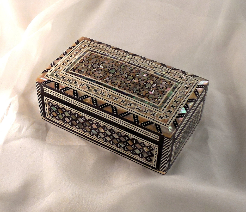 Sensational Granada | Handmade Egyptian Mother of Pearl Jewelry Box