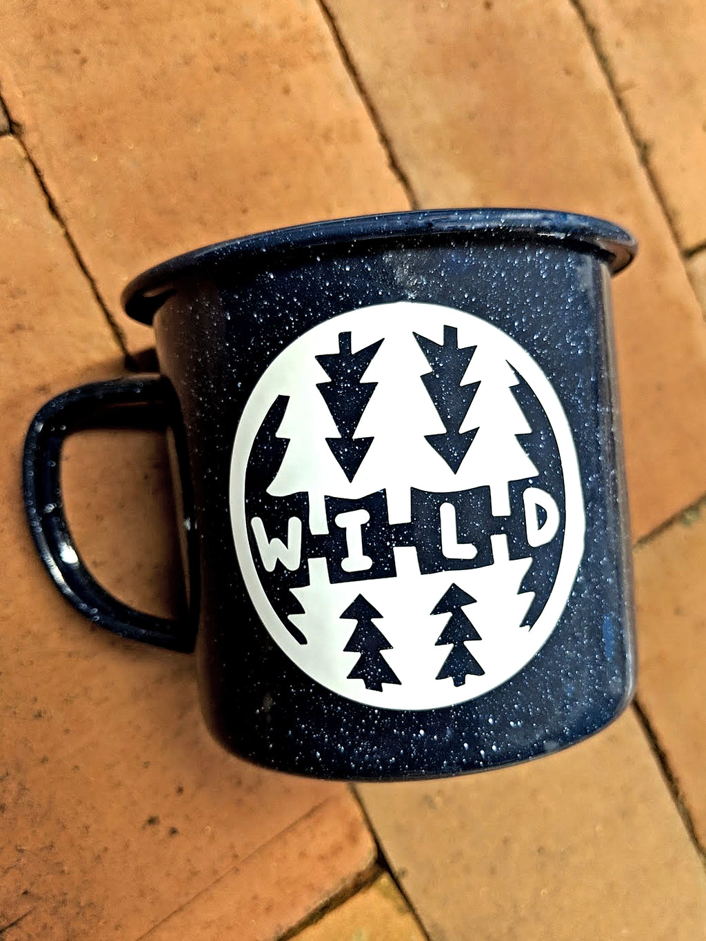 Large Speckled Wild Enamel Mug 16oz - Contour Creative