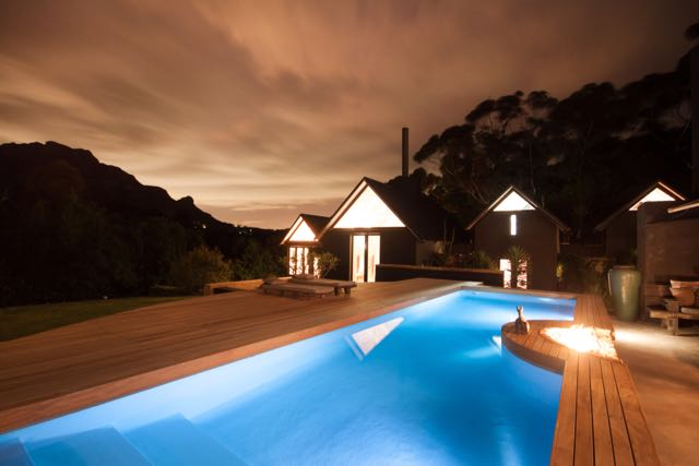 Villa Maison Noir, Capetown . Pool in the evening