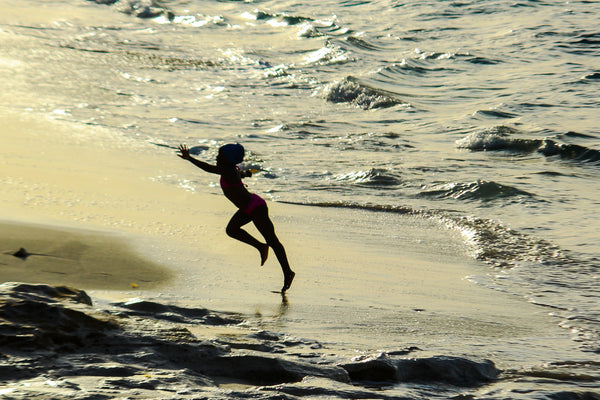 Bahamian Tales: The girl who dances with the sea , Photography - Alessandro Sarno, alimitlessworld
