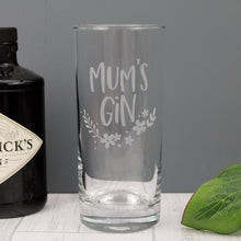 Engraved tall gin glass, with the words Mum's gin and a floral design