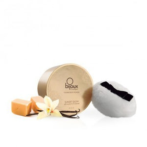Shiny kissable body powder with caramel flavour