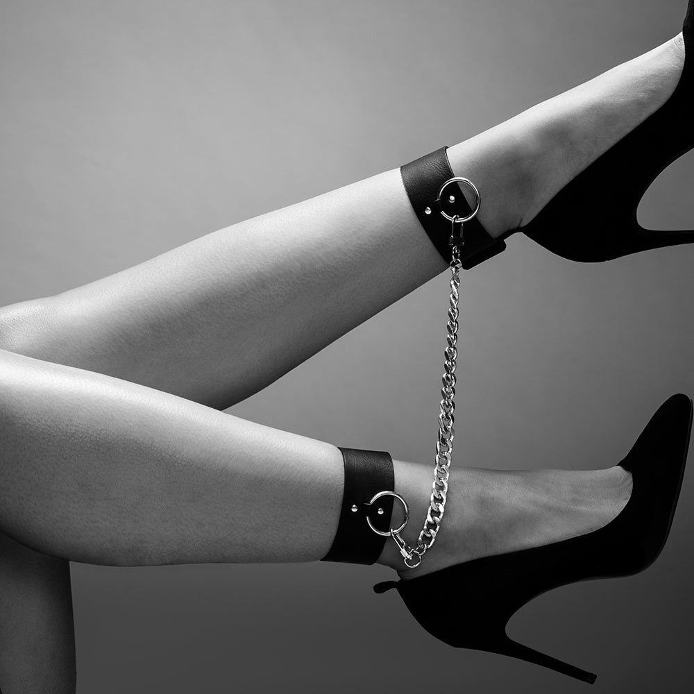 These Bold Anklets Will Guarantee That Your Legs Ar
