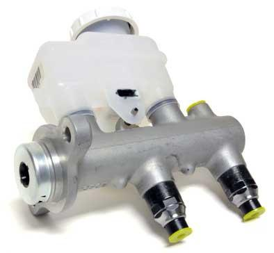 Mitsubishi OEM Brake Master Cylinder | 2003-2006 Mitsubishi Lancer Evolution 8/9 RS (MR977089)