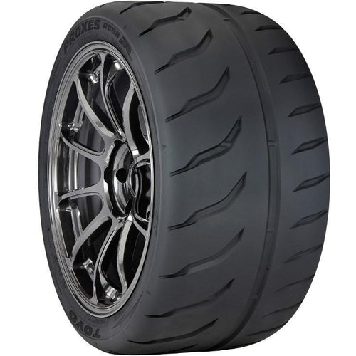 Toyo 225/40ZR18 92Y Proxes R888R Tires (102700)