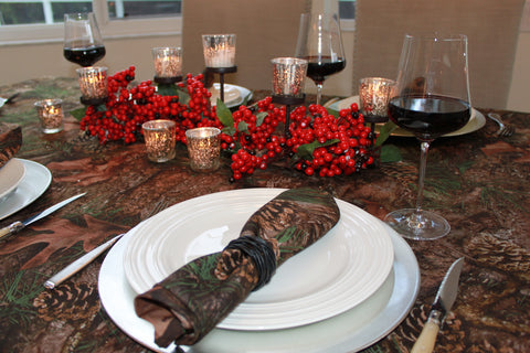 TrueTimber Mixed Pine Tablecloth and Napkins