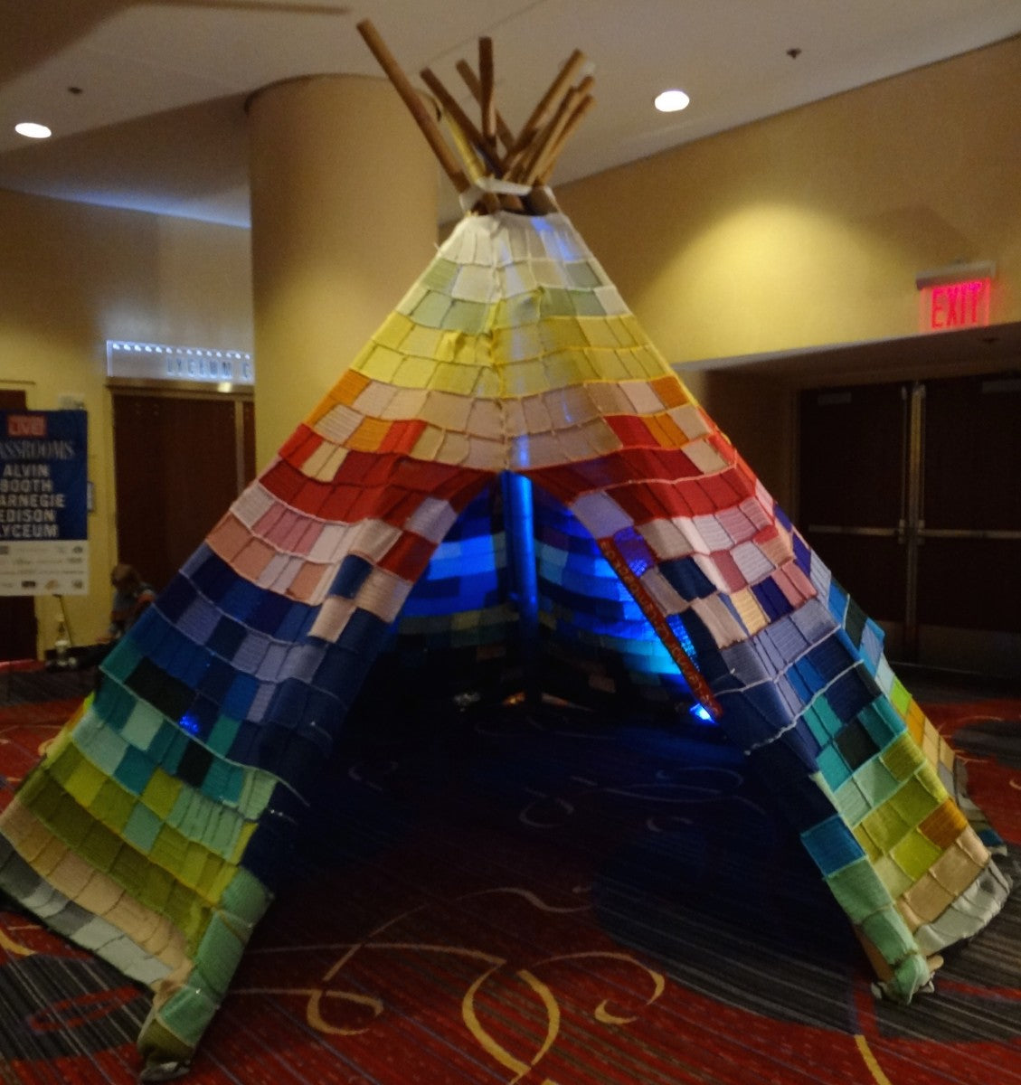 Knitted Teepee by Ute Lemmark