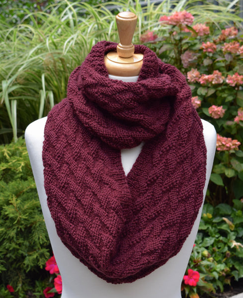 Flying Geese Infinity Scarf - Hand Knitting Kit