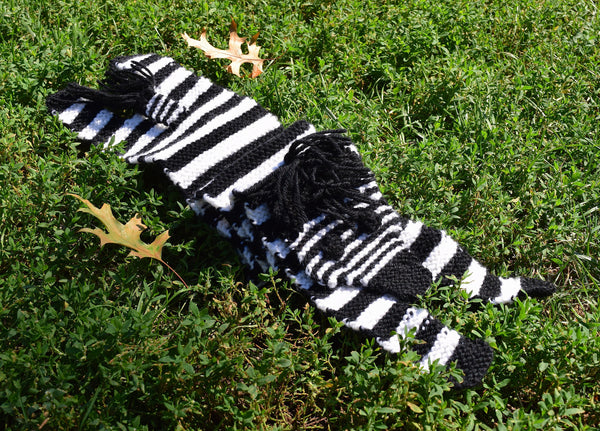 Zebra Scarf - Hand Knitting Kit