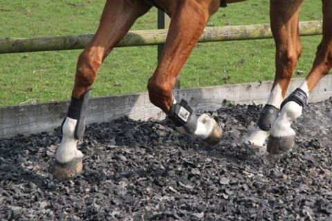 equestrian rubber chippings