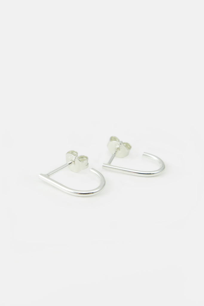small u-shape earrings, silver