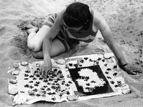 Jigsaw Puzzles on the beach - The Missing Piece Puzzle Company