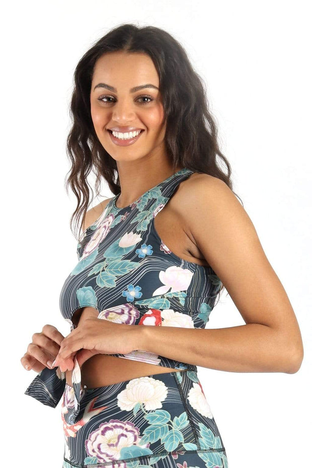 Reversible Knot Top in Clever Koi 1