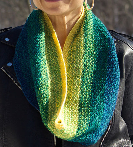 Impressionist Stripes cowl knitting pattern in Elora yarn